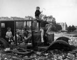 Robert Doisneau: La voiture fondue,1944