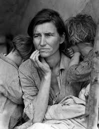 © Dorothea Lange: Migrant Mother, Destitute pea pickers in California. Mother of seven children. Age thirty-two. Nipomo, California, 1936