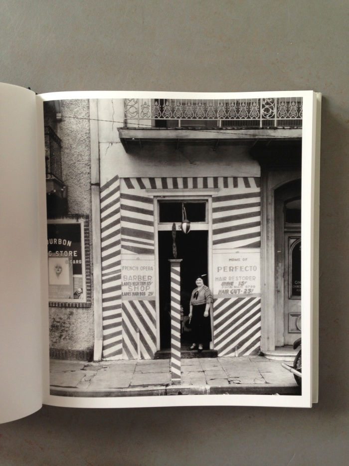 © Walker Evans: Sidewalk and shopfront New Orleans, !935