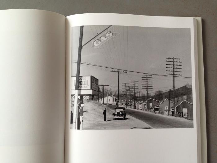 © Waller Evans: Roadside View, Alabama Coal Area Company Town, 1936