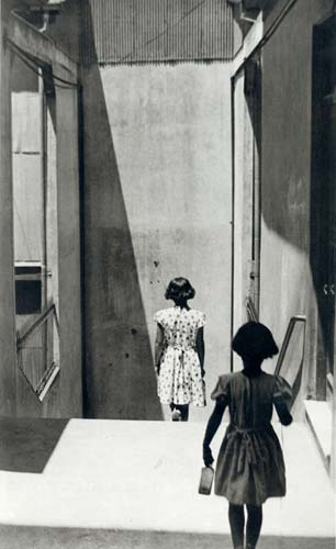 ©Sergio Larrain: Valparaíso, Chile, 1957