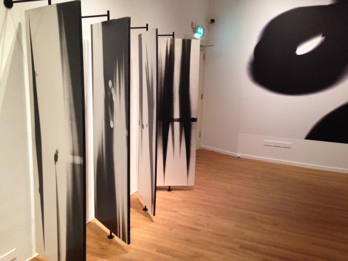 De panelen die William Klein maakte voor Angelo Mangiarotti, in Foam, Amsterdam