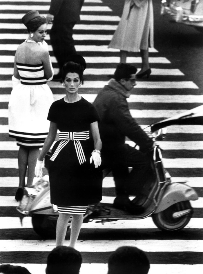 William Klein, Piazza di Spagna, Rome, 1960. Copyright William Klein