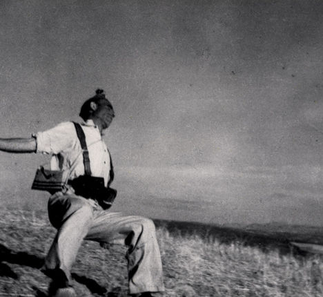 Robert Capa, [Death of a Loyalist militiaman, Córdoba front, Spain], 1936