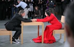 Marina Abramovic & Ulay: The Artist is Present, MoMA, 2010 Foto © Marco Anellijpg