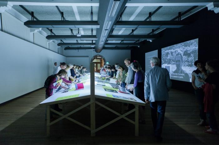 De tentoonstellingsruimte in het Tropenmuseum Amsterdam, waar de genomineerden voor de Dutch Doc Award 2014 te zien zijn. Foto © Isabelle van Hemert