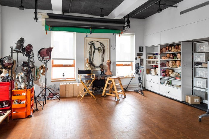 Studio van Cindy Sherman. Foto ©Jeremy Liebman / W Magazine, 2014
